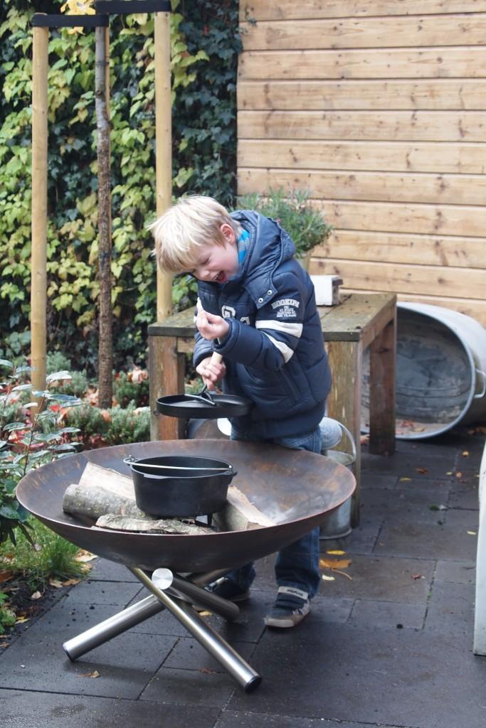 gezelligheid en warmte in de tuin met een leuke vuurschaal