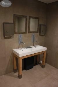 Toilet meubel met kraan op maat en bewegingssensor dames