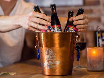 IJs bak icebucket voor bier