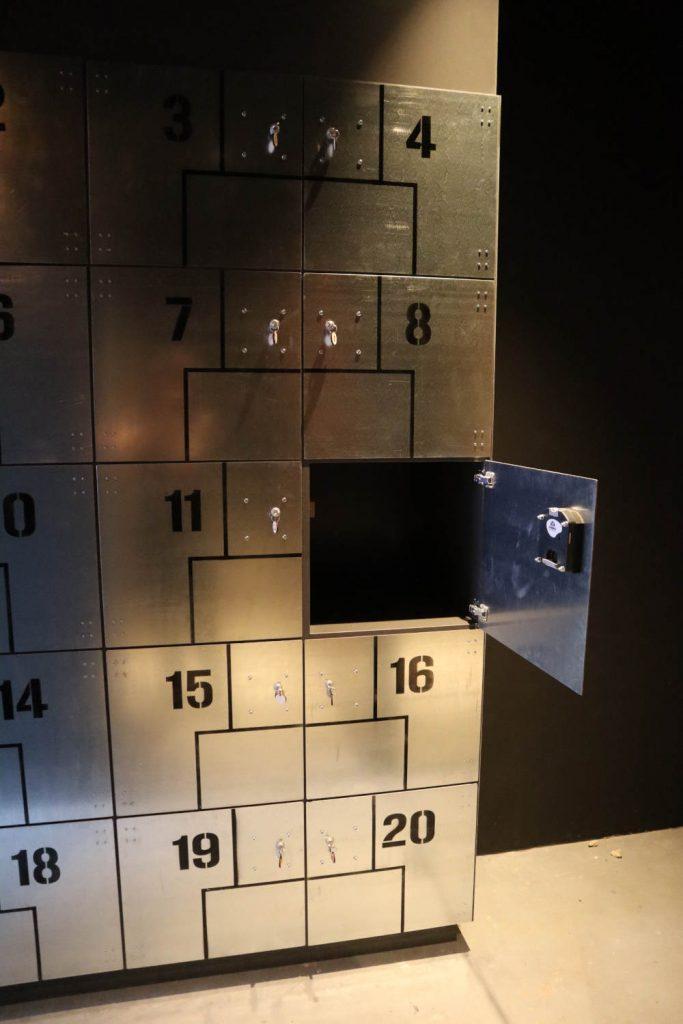 De lockers zijn voorzien van muntsloten en airbrush nummering.